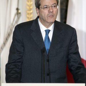 Paolo Gentiloni, malore al rientro da Parigi e intervento