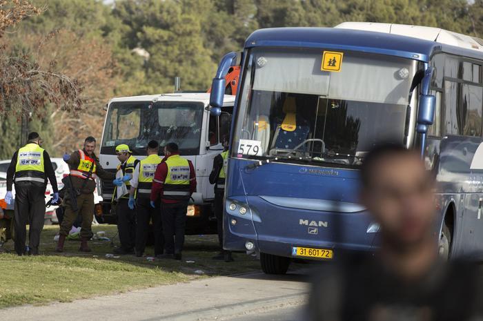 Gerusalemme, camion contro soldati: 4 morti2
