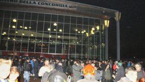 Spray al peperoncino tra il pubblico, interrotto concerto Marracash-Guè Pequeno a Torino