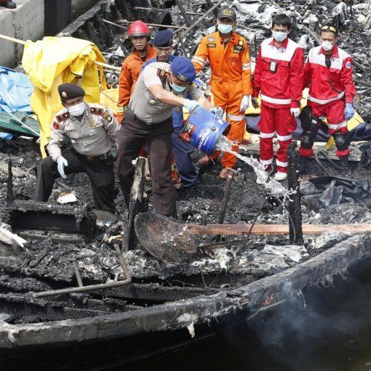 Indonesia, incendio traghetto causato da cortocircuito5