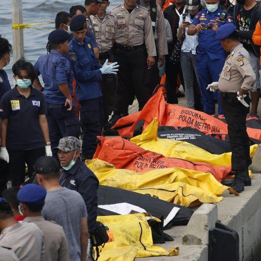 Indonesia, incendio traghetto causato da cortocircuito3