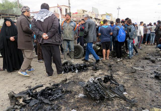 Iraq, 2 attentati Baghdad vicino ospedali provocano 39 morti7