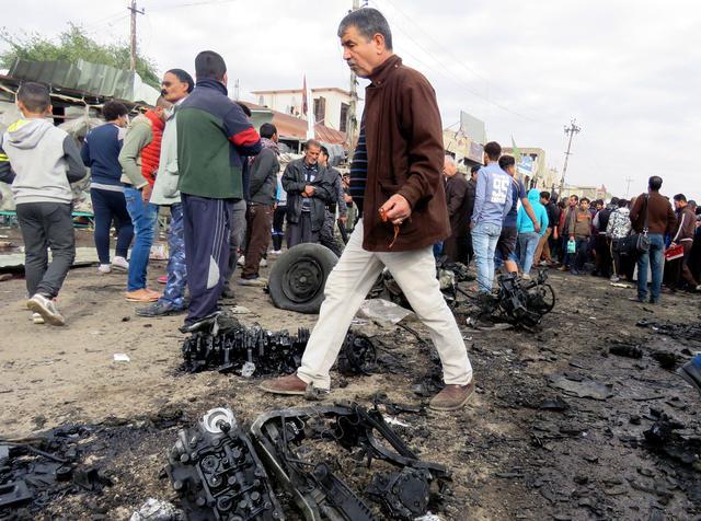 Iraq, 2 attentati Baghdad vicino ospedali provocano 39 morti6