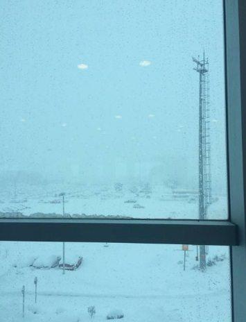 Maltempo, 500 italiani bloccati aeroporto Istanbul per tempesta neve5