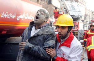 Teheran, grattacielo Plasco Building crolla: decine di pompieri sotto le macerie