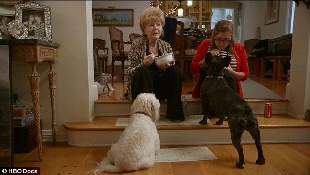 Reynolds e Fisher, amore mamma-figlia dive e droghe in documentario2