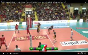 YOUTUBE Volley spettacolo: Petric alza di piede, Ngapeth schiaccia