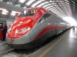 """Trenitalia. Abbonamenti, Delrio annuncia intervento: """"Troppo caro il più 35%"""""""