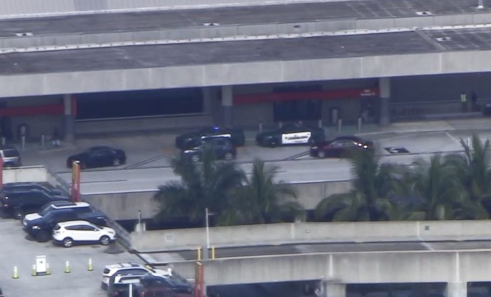 Fort Lauderdale, sparatoria in aeroporto 01