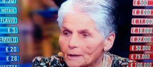 """Affari Tuoi: Agnese, 87 anni, vince 33mila euro: """"Una parte li darò ai bambini poveri"""""""
