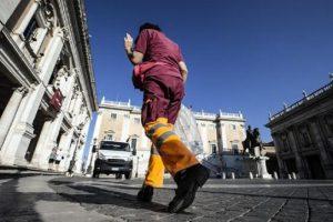 Roma, con M5S per spazzini (Ama) e autisti (Atac) è tornata la pacchia