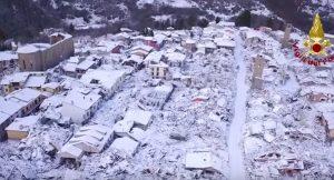 Amatrice, macerie terremoto innevate viste dal drone