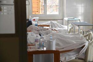 Meningite in Toscana, il 70% dei malati risulta fumatore