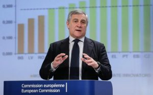 Antonio Tajani presidente Europarlamento? Accordo fra Ppe e Alde, Guy Verhofstadt si ritira