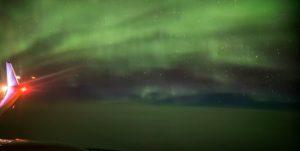 YOUTUBE Aereo in volo dentro l'aurora boreale