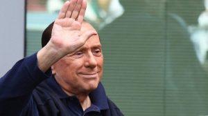 Berlusconi di nuovo in ospedale: al San Raffaele per controlli
