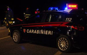 Roma, ubriaco alla guida ubriaco travolge 2 carabinieri: feriti