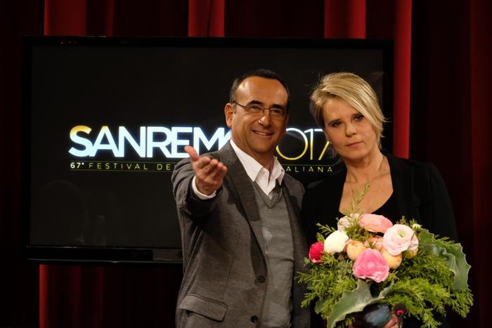 Sanremo 2017 con Maria De Filippi e Crozza: Rai vetrina di Mediaset. L'Antitrust non ha niente da dire?