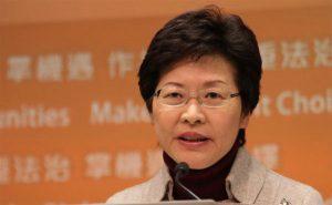 Carrie Lam, la politica che prende il taxi per andare a comprare la carta igienica...