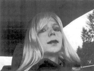 """Chelsea Manning: """"Ecco com'è la mia giornata da trans in carcere"""""""