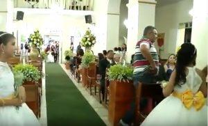 Panico al matrimonio: uomo entra in chiesa e spara