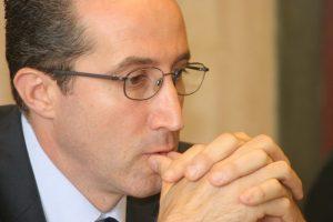 Corruzione e appalti pilotati, sindaco di Sperlonga Armando Cusani arrestato