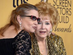 Debbie Reynolds, arriva la biogradia: il rapporto con Carrie Fisher e gli abusi di Hollywood