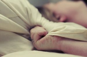 """Far l'amore doloroso per una donna su 10: si chiama """"dispareunia"""" l'ultimo tabù"""