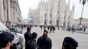 Piazza Duomo a Milano (Ansa)