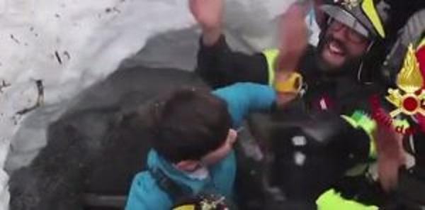 Rigopiano, Nadia Acconciamessa morta sotto la neve: era la mamma di Edoardo