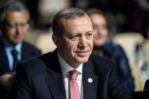Erdogan se la prende con la Grecia e minaccia di far saltare accordi su migranti