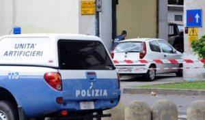 Scoppia ordigno a Firenze davanti libreria Casa Pound, artificiere ferito