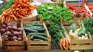 """Maltempo, prezzi di frutta e verdura alle stelle. Codacons: """"Speculazione intollerabile"""""""