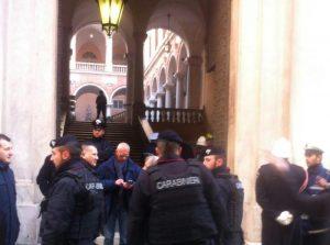 Genova: allarme bomba in Comune, sfollati i dipendenti