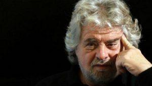 """Beppe Grillo elogia Trump e Putin: """"Beneficio per l'umanità. Obama un disastro"""""""