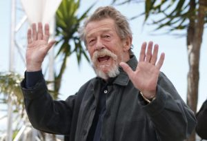 John Hurt, morto a 77 anni star Alien, Harry Potter e The Elephant Man