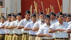 India, le R(SS) (sei milioni): saluto zogista e bastone indù