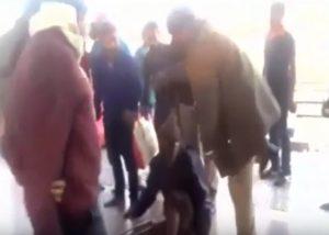 YOUTUBE Disabile picchiato dalla polizia perché accusato di aver rubato cellulare
