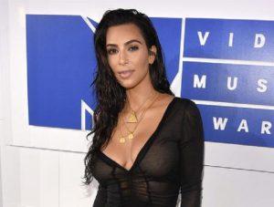 Kim Kardashian, 16 arresti per la rapina a Parigi del 3 ottobre