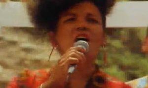 YOUTUBE Loalwa Braz Vieira, cantante lambada trovata carbonizzata a Rio de Janeiro