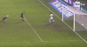 YOUTUBE Gianluca Lapadula scarta Hart ma...errore clamoroso in Milan-Torino