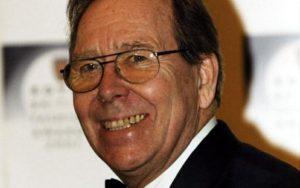 Lord Snowdon è morto: ex cognato della regina Elisabetta, le sue nozze diedero scandalo