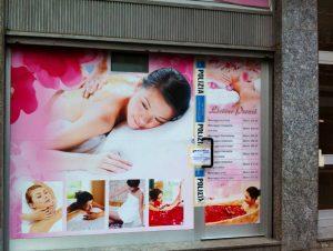 """Torino, 47 centri massaggi cinesi sequestrati. """"Prestazioni complete..."""""""