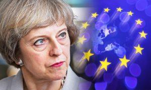 Gran Bretagna valuta mille euro di tassa sui lavoratori Ue. Imbarazzo premier May