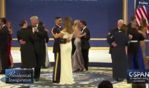 YOUTUBE Melania Trump, il ballo col soldato che le fa tornare il sorriso