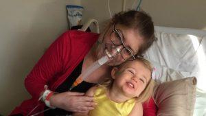 Melissa Benoit, sei giorni senza polmoni: intervento la salva da infezione