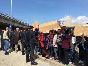 Venezia, migrante muore nel centro accoglienza: scontri tra profughi e polizia