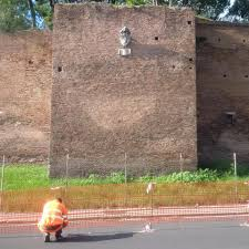 Roma, cede porzione di mura Aureliane vicino al ministero dei Trasporti