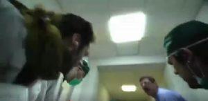 """The Pills parodia su M5S: """"La clinica dell'onestà"""", corto per """"Servizio Pubblico"""""""