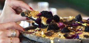 Pizza farcita d'oro